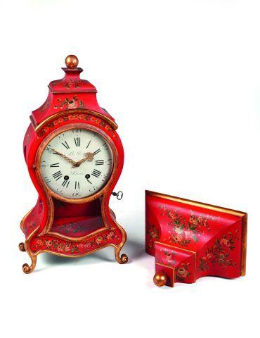 Pendule de cheminée dans le style d'une 'Neuchâteloise...