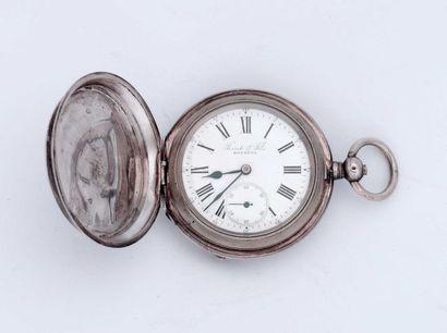 Deux montres, dont une en argent signée 'Perret...