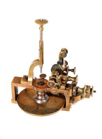 Petite machine à diviser en acier et laiton...