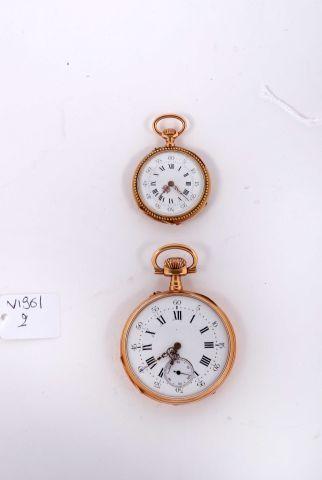 Une montre à cylindre d'homme en or et une...
