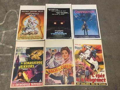 Ensemble de plus de 70 affichettes belges...
