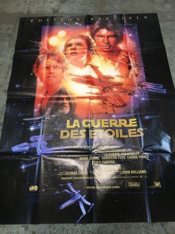 Ensemble de plus de 200 affiches de cinéma...