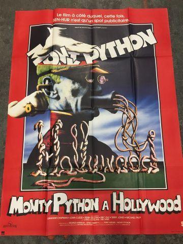 Ensemble de plus de 90 affiches de cinéma...