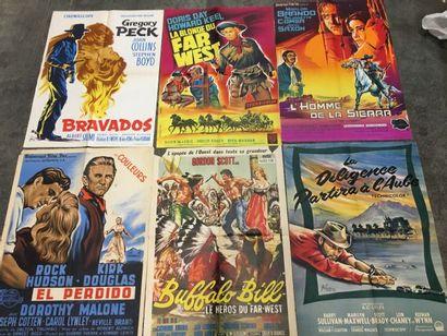 Ensemble de plus de 70 affiches de cinéma...