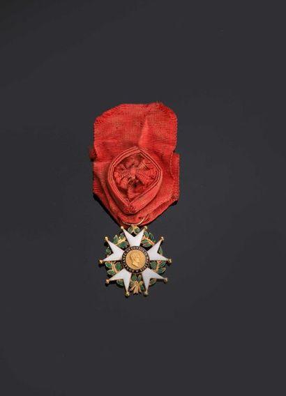 II REPUBLIQUE. Etoile d'officier en or (30...