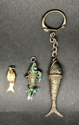 Lot comprenant 1 pendentif «poisson» en...