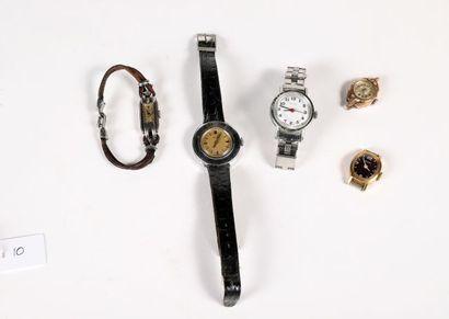 Cinq montres-bracelets de femme en métal...