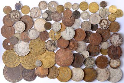 Lot : Environ 80 monnaies du monde dont,...