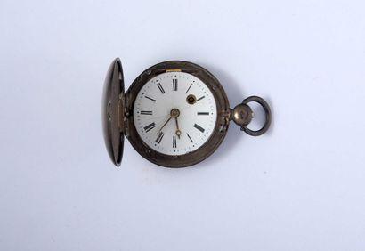 Petite montre savonnette à verge en argent...