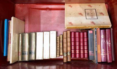 Dans une caisse : petit lot de livres reliés...