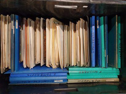 1 CAISSE documentation et manuscrits sur...