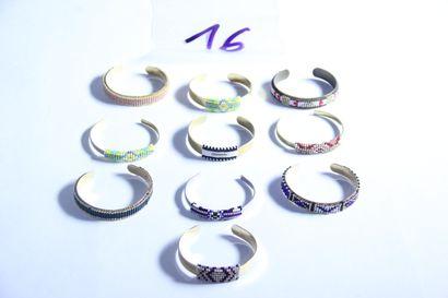 1 lot de bijoux fantaisies : 10 bracelets...