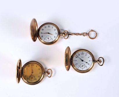 Trois montres savonnettes à ancre en métal...
