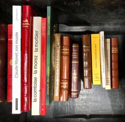 Petit lot de livres et revues dont HORLOGERIE: