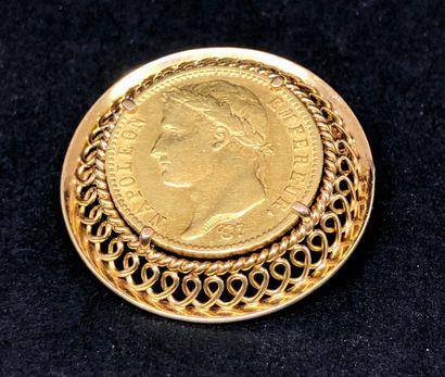 Broche ronde formant pendentif,en or jaune...