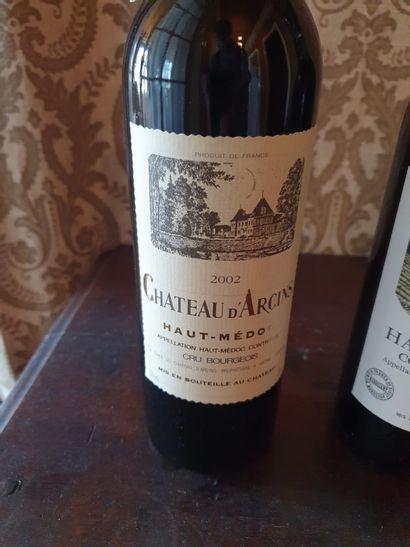 3 bouteilles de vins :  - Château Lafite-Rothschild, 1971  - Château d'Arcins, Haut...