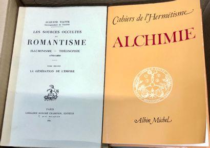 ESOTERISME – ALCHIMIE, un carton de livres récents.