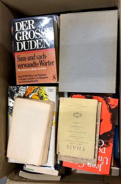 Livres variés récents. 4 cartons.