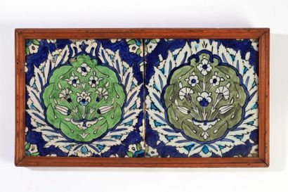 Syrie, DAMAS  Deux carreaux en céramique...