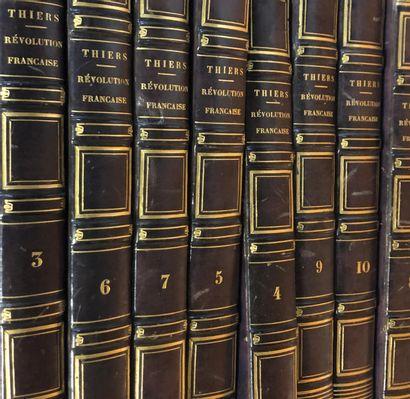 Lot de livres brochés et reliures modernes...