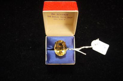 Bague en or jaune 14K ornée d'une pierre...