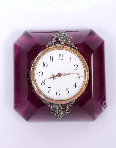 Mouvement d'une montre à cylindre monté dans...