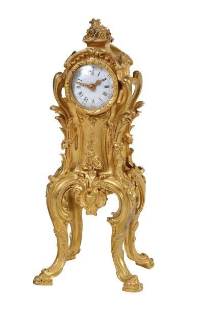 Réplique en miniature du corps de l'horloge...