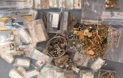 FANTAISIE: éléments de chaînes en métal et...