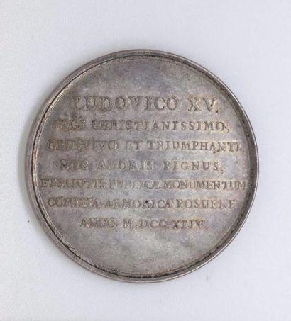 STATUE DE LOUIS XV à Rennes. Médaille d'aregent...