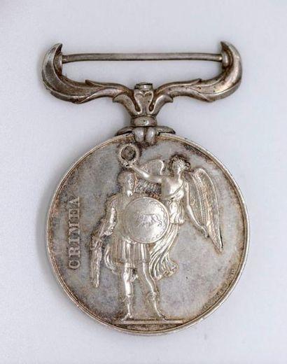 ANGLETERRE. Médaille de Crimée en argent...