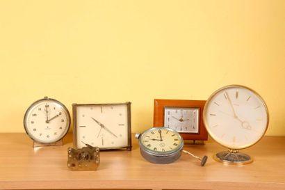 Quatre réveils (dont Imhof, Junghans, Europa)...