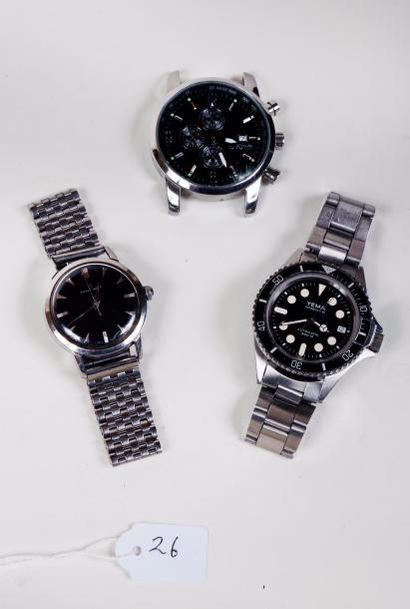 Trois montres bracelets à cadran noir dont...
