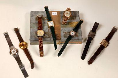Lot d'environ quinze montre bracelets, marques...