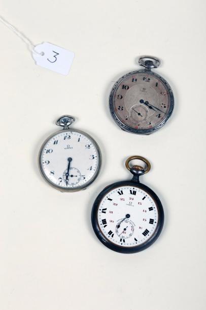 Trois montres de gousset 'Omega' dont une...