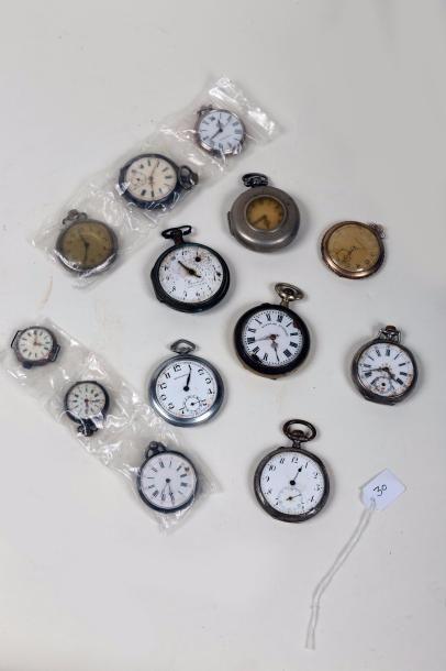 Lot de treize montres en métal, fin XIXe/début...