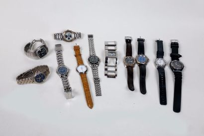 Lot de quinze montres bracelets récentes,...