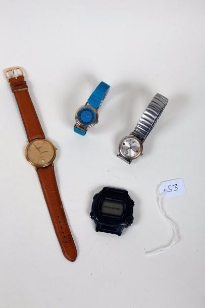 Quatre montres bracelets quartz.