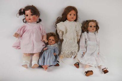 Lot de 4 poupées en rhodoïd de 31 à 47cm