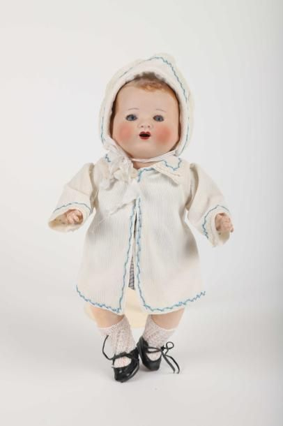 Petit Bambino, tête pleine marquée en creux...