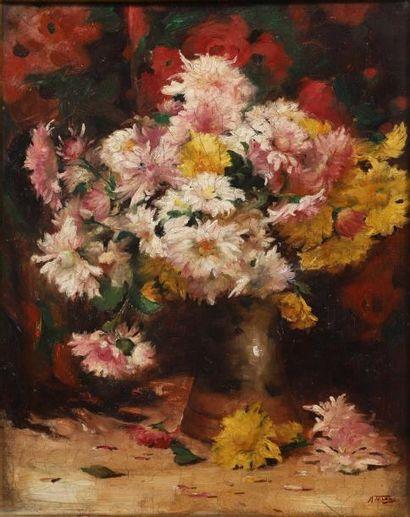 Mihail TEISANU (1884-1944) Nature morte au vase de fleurs Huile sur toile signée...