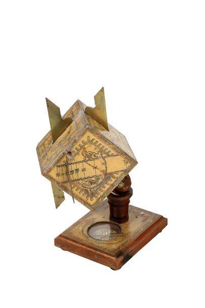 Cadran polyédrique en forme de cube signé...