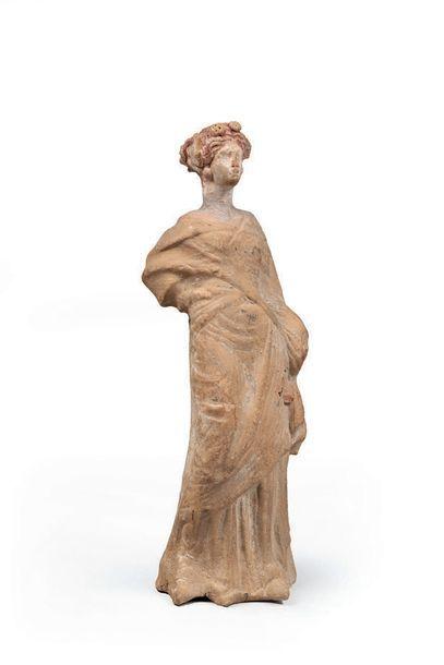 Statuette féminine Terre cuite, traces de...