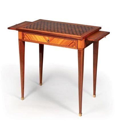 Petite table rectangulaire de salon et de...