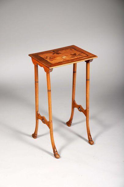 Petite table d'appoint ou de bout de canapé...