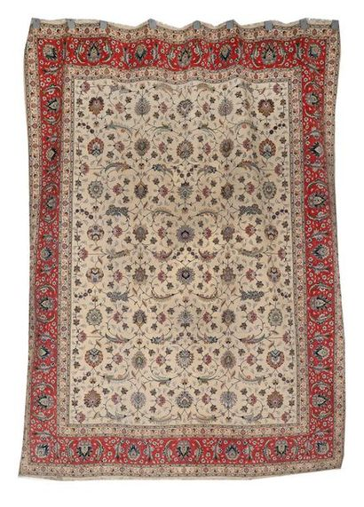 Tapis en laine et soie moderne. TABRIZ (Iran)....