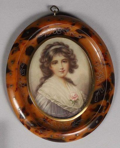 Miniature ovale sur papier. Portrait de jeune...