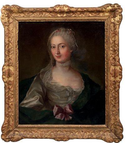 ECOLE FRANCAISE Première Moitié du XVIIIe siècle Portrait en buste d'une femme de...