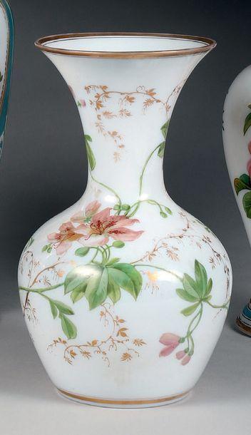 Vase balustre à col tulipe en demi-cristal...