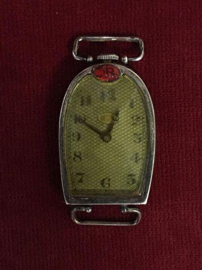 MIDO pour BUGATTI, vers 1930. Montre-bracelet d'homme, boitier en argent de forme...