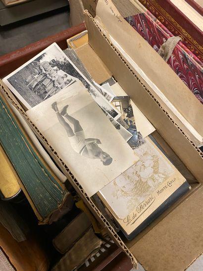 Mannette de livres divers, livres reliés...